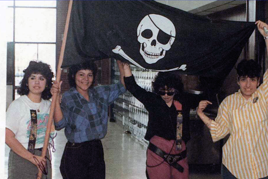 1478183926-hidalgo_high_school_1987_new_pirate_flag_