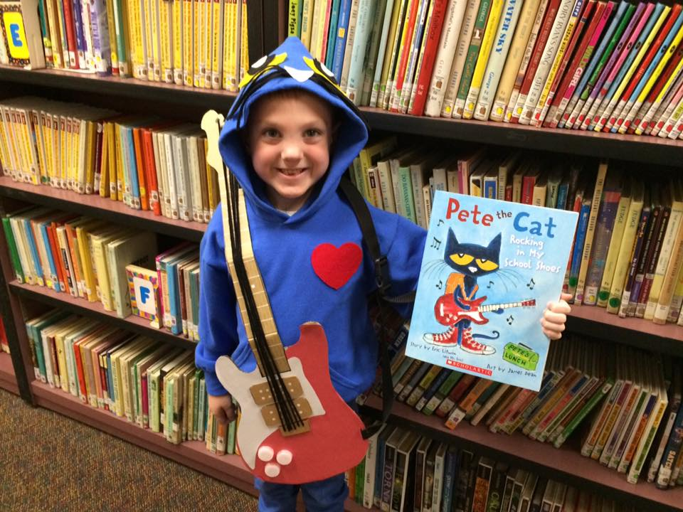 student in Pete the Cat costume