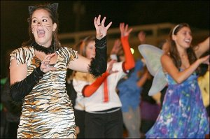 A picture of the Tiger band performing Thriller