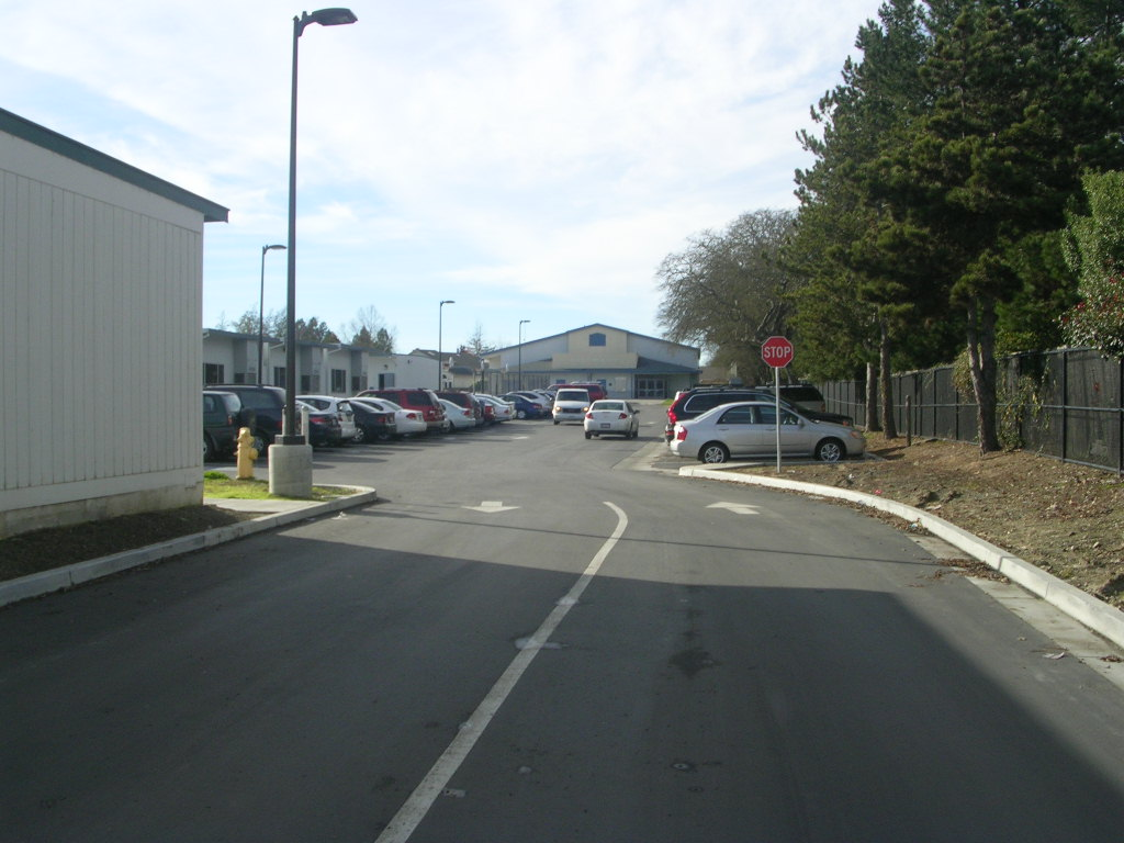CALI CALMÉCAC LANGUAGE ACADEMY NORTH PARKING LOT